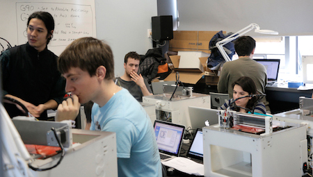 Students building 3d printers during the build class