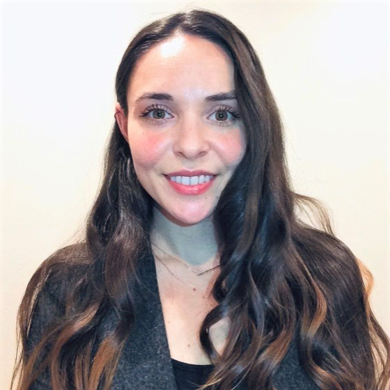 headshot of Kate Lynch