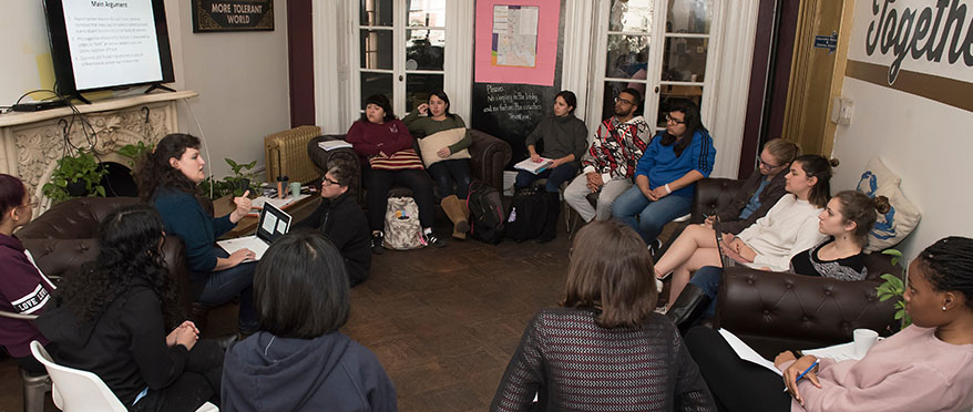 picture of 2018 alternative breaks intersession group in Baltimore