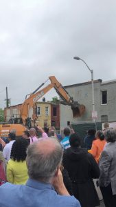Demolition of a vacant house